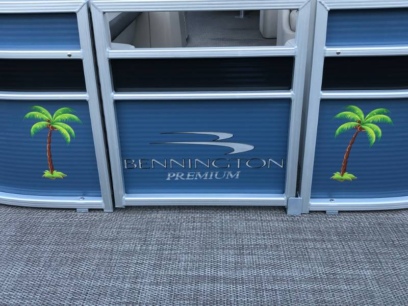 2019 Bennington  Pontoon Lettering from Dale M, FL
