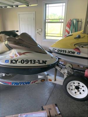 2004 Sea Doo and 2003 Yamah.  Jet Skis Lettering from Lawrence H, KY