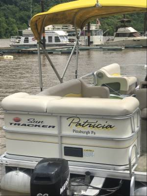 Sun Tracker Pontoon Boat Lettering from Chris  M, PA